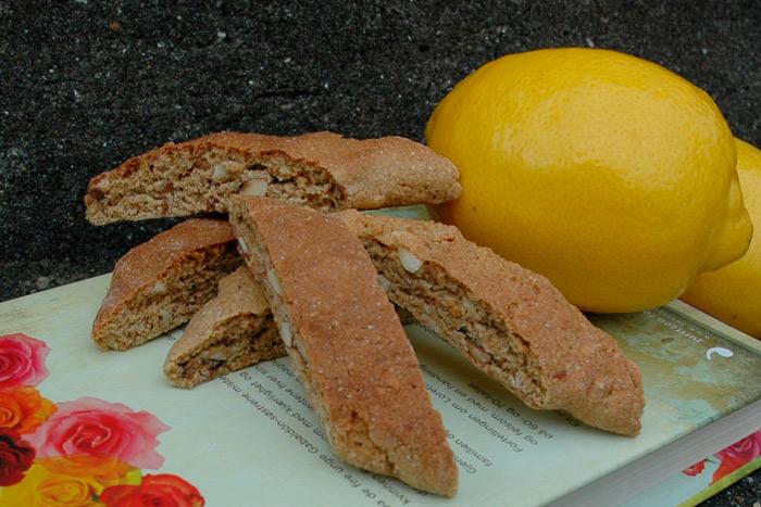 Grove biscotti med sitron